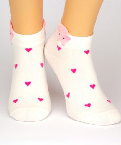 Sneaker weiß - Ankle-Socken mit roten Herzen