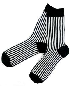 schwarz weiß gestreifte Socken